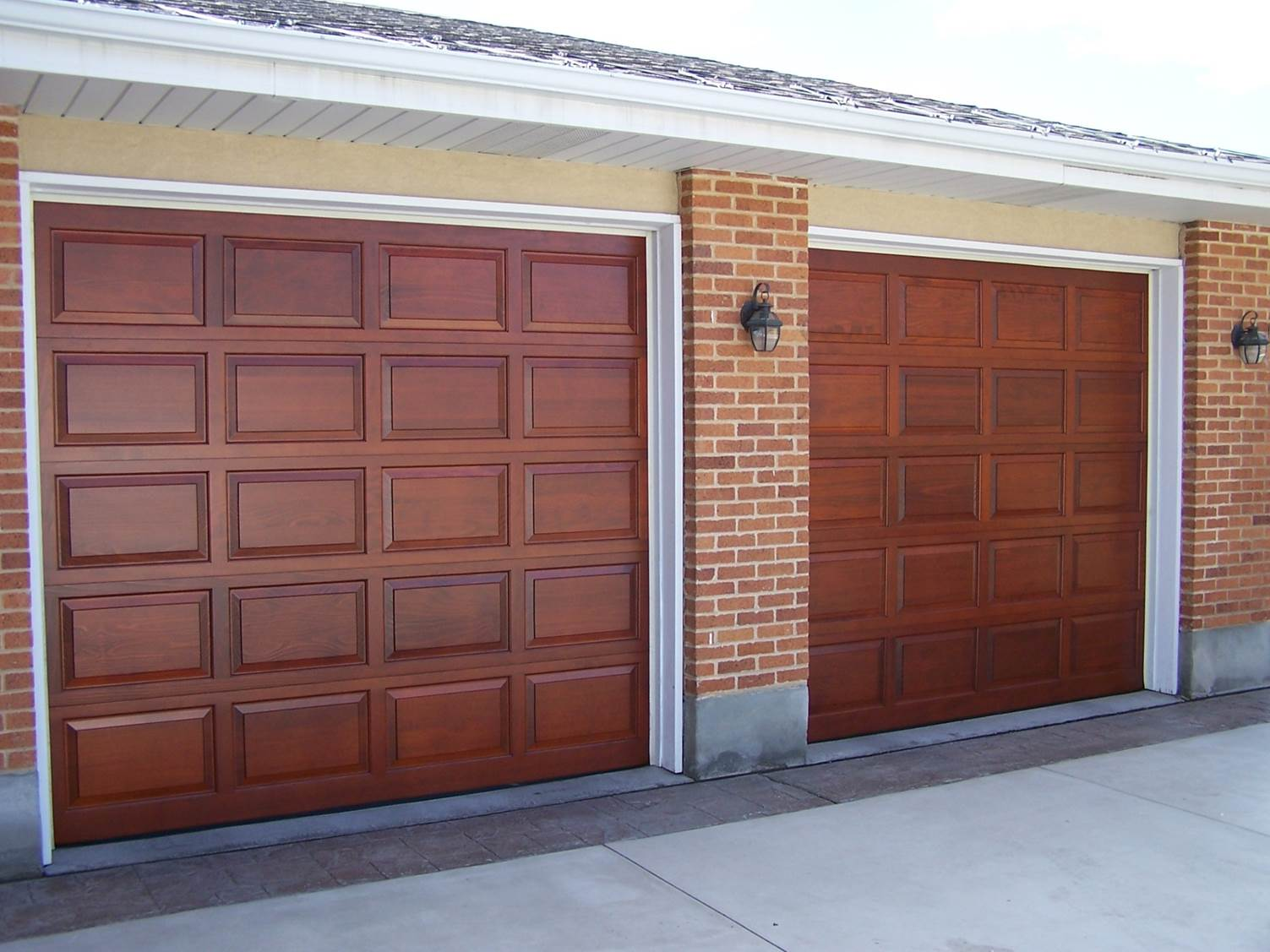 House with wood garage door - Salt Lake City Residential Garage Doors And Authentic Real Wood Garage Doors