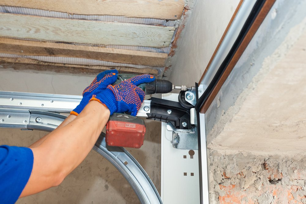 signs garage door repair services