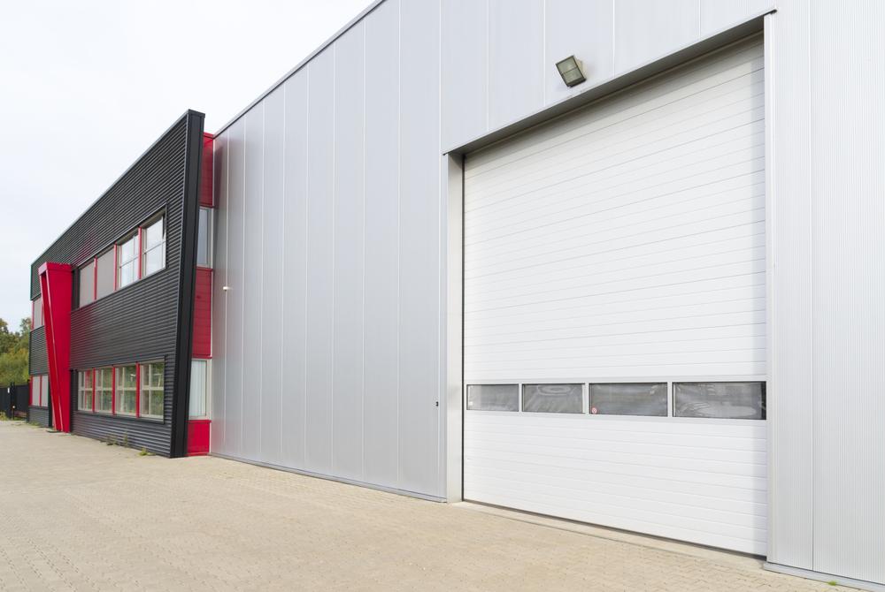 qualities selecting commercial garage door